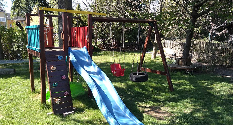 Klettergerüst im Garten unserer Kindertagespflege (KITA) in Baesweiler